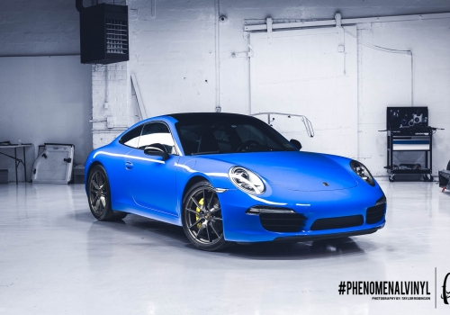 2013 Porsche Carrera 4S in Gloss Intense Blue